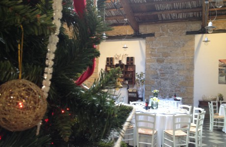 Banchetto di matrimonio all'Osteria alla vigilia del Natale.