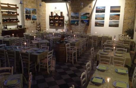 Luci soffuse e musica di sottofondo, è questa l'atmosfera del nostro ristorante.